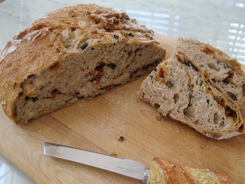 Whole Wheat Bread with Sun-Dried Tomatoes and Olives